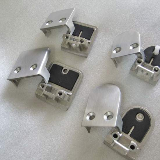 2020-10/glass-clamp-glowing-hardware.jpg